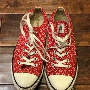 Converse Low Top Red with Stars Unisex Sz 9 W  7M